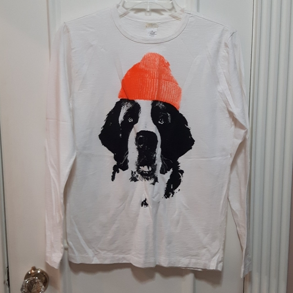 T-shirt with dog in a hat